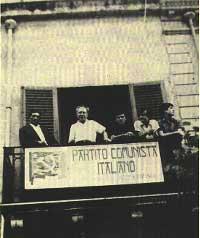 1966. Comizio di Stefano Venuti. Peppino è il quarto da sinistra.