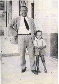 Anni '50. Peppino con il padre.